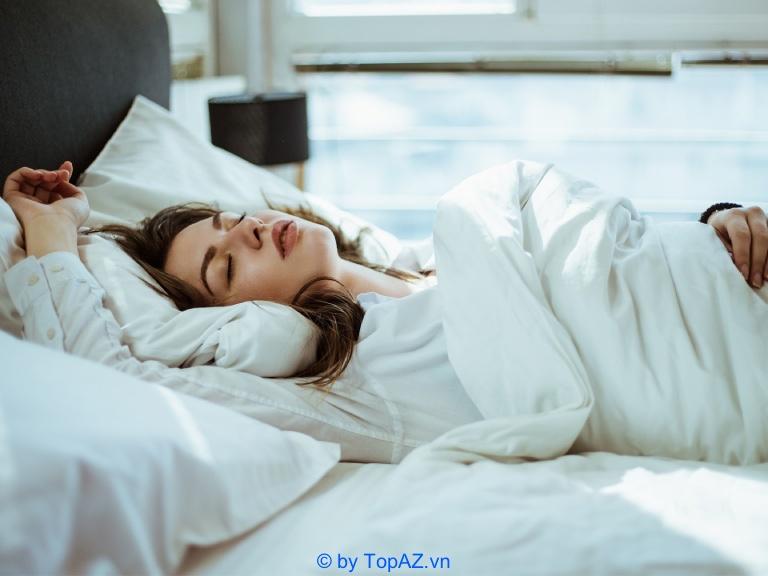 Tư thế ngủ phù hợp nhất với người mới tiêm filler