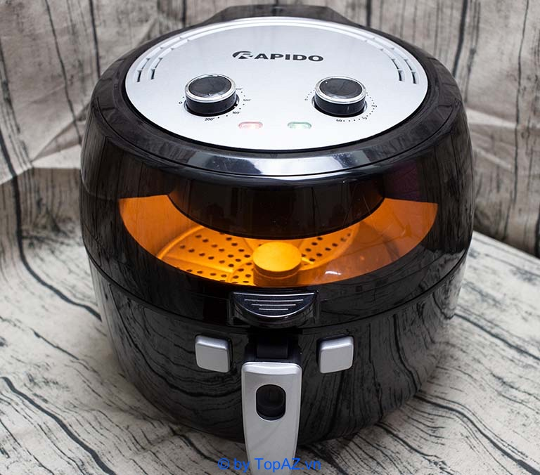 Rapido RAF6.5M đảm bảo phần nắp kính cường lực trong suốt để đảm bảo bạn có thể quan sát thức ăn trong quá trình chế biến.